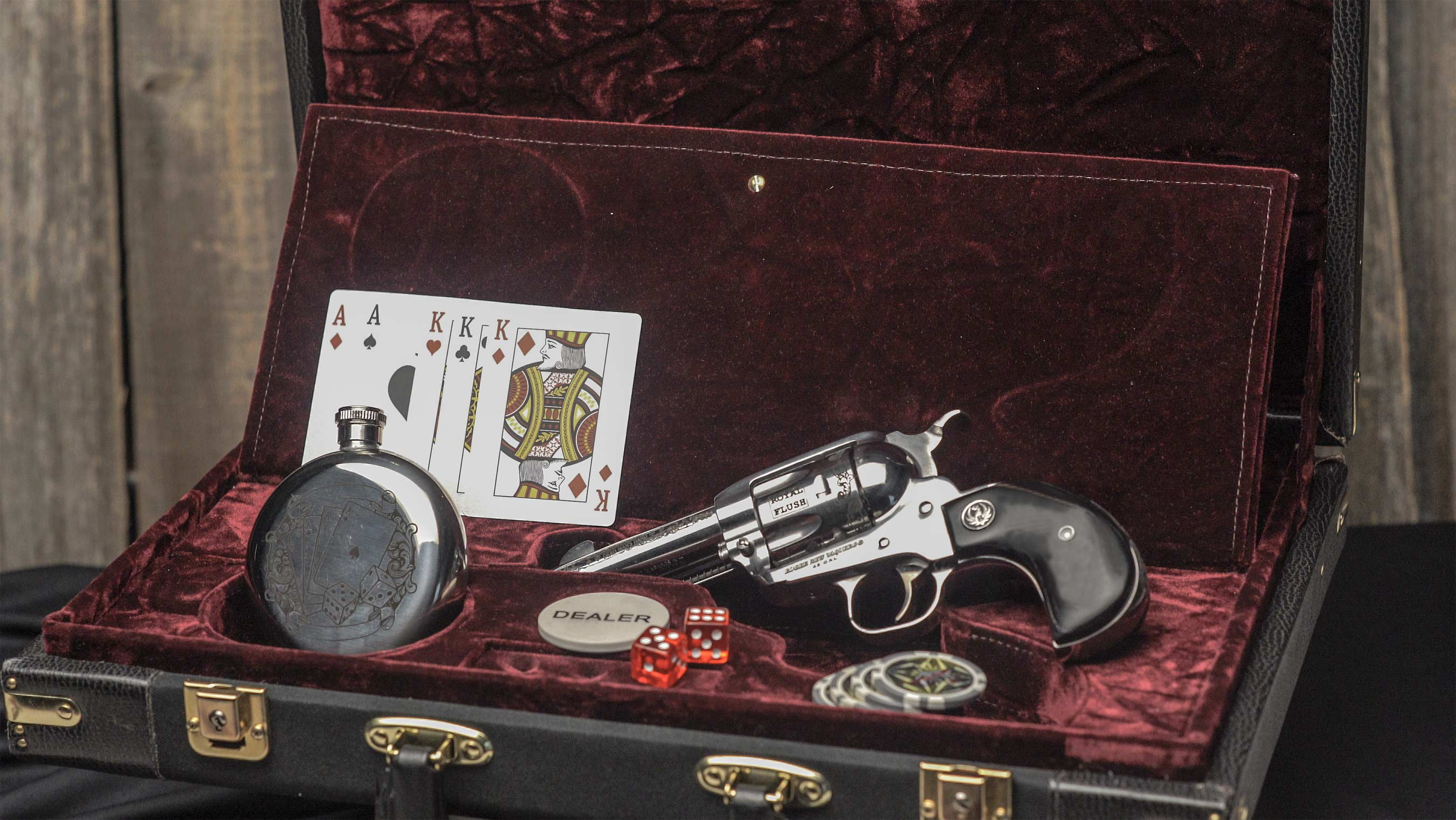 Gambler Revolver & Poker Set